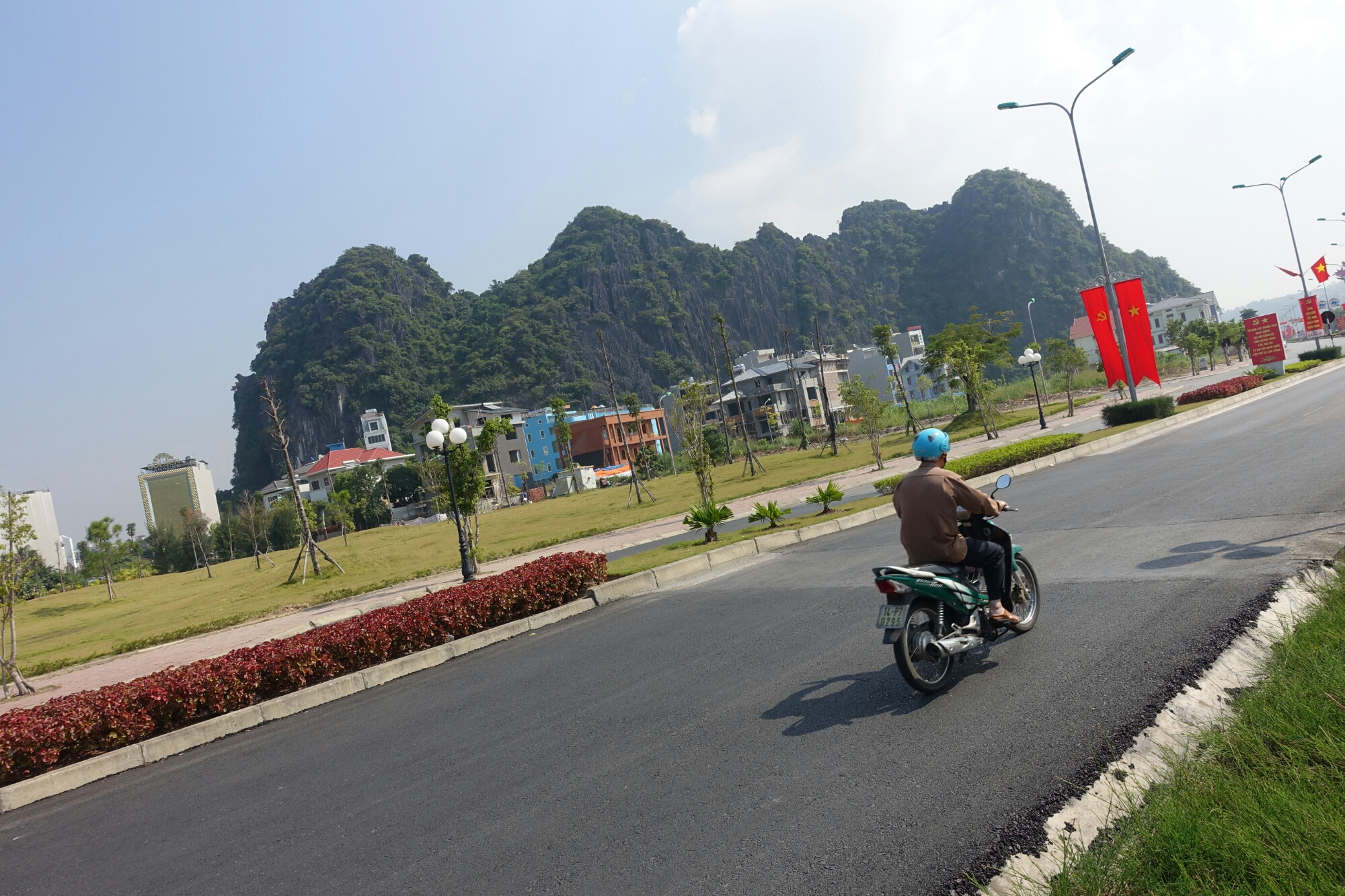 Taiwan Thorn In China S Side Gets New Attention: Other Side Of The Road, Hon Gai, Vietnam